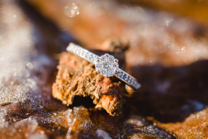 wedding ring by sarahandsamuelphotography