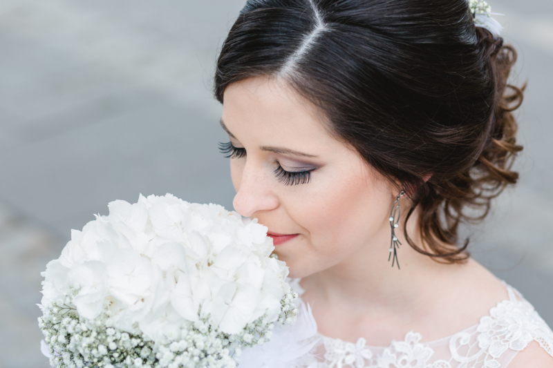 wedding pretty bride by sarahandsamuelphotography