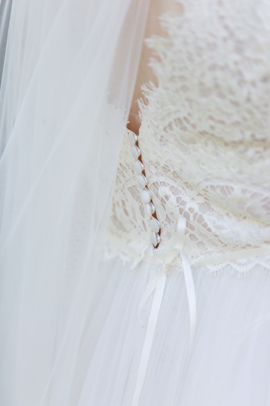 wedding bride dress by sarahandsamuelphotography
