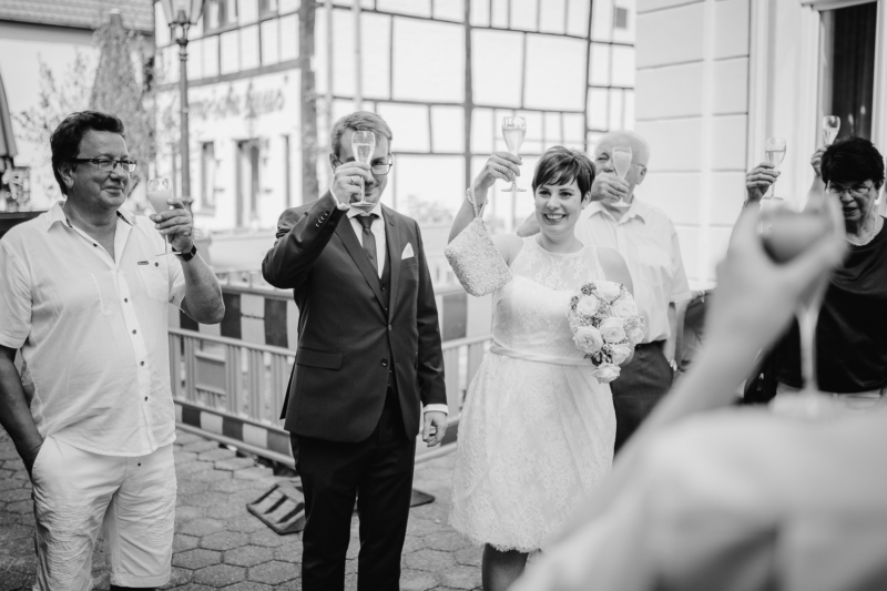 wedding just married by sarahandsamuelphotography